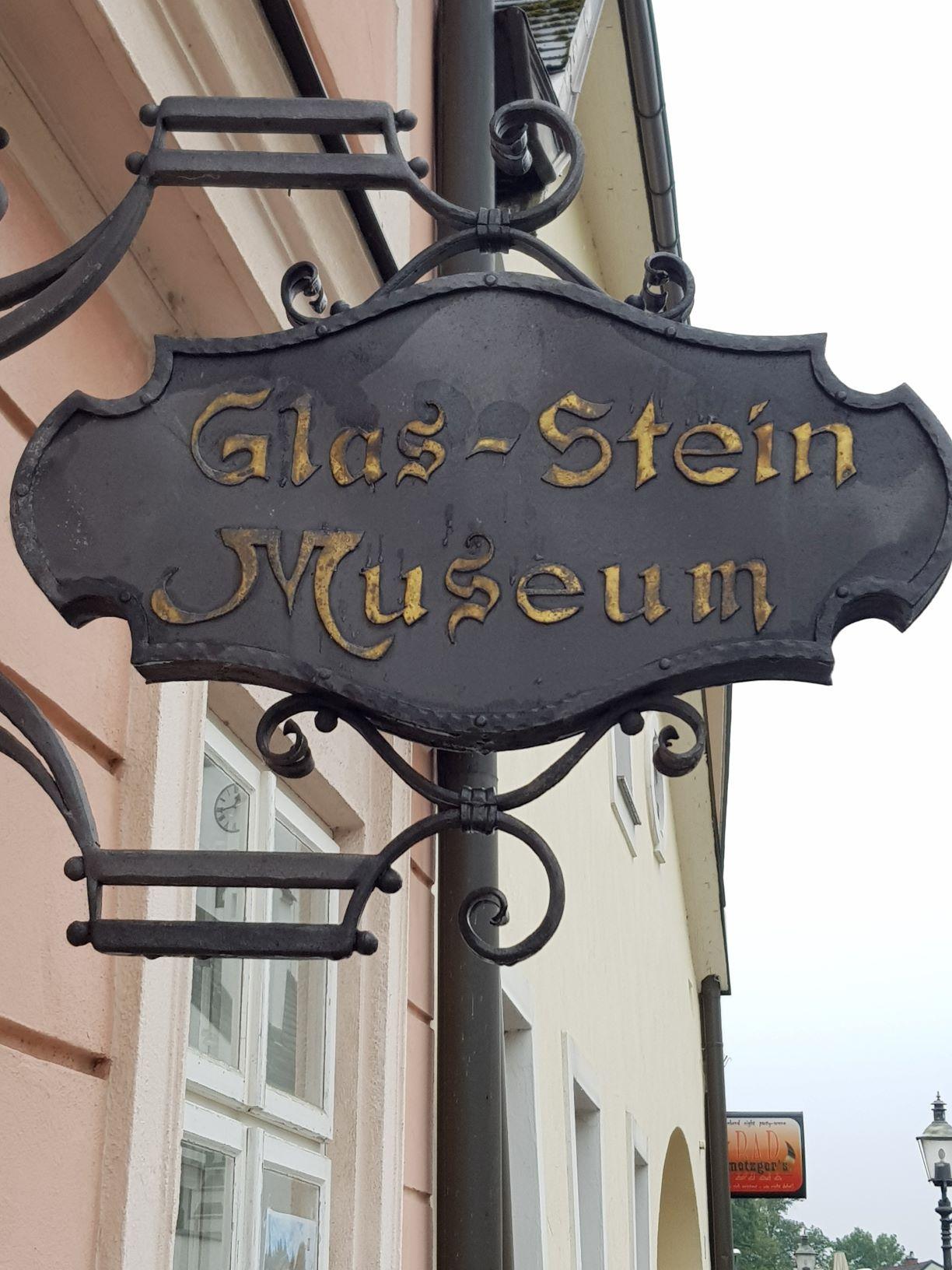 08 Glas- und Steinmuseum Tafel